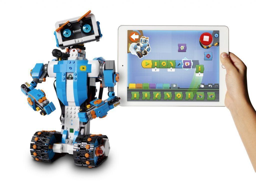 Лучшие роботы для детей LEGO Boost Creative Toolbox 17101